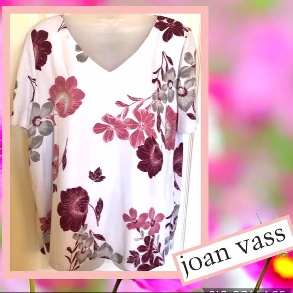 Joan Vass Tops - 💐Joan VASS Top in Lavender Floral Short Sleeve